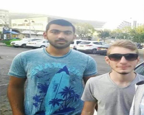 ג'וליאן (מימין) ומחמד: באים ממשפחות עם רקע בטחוני.