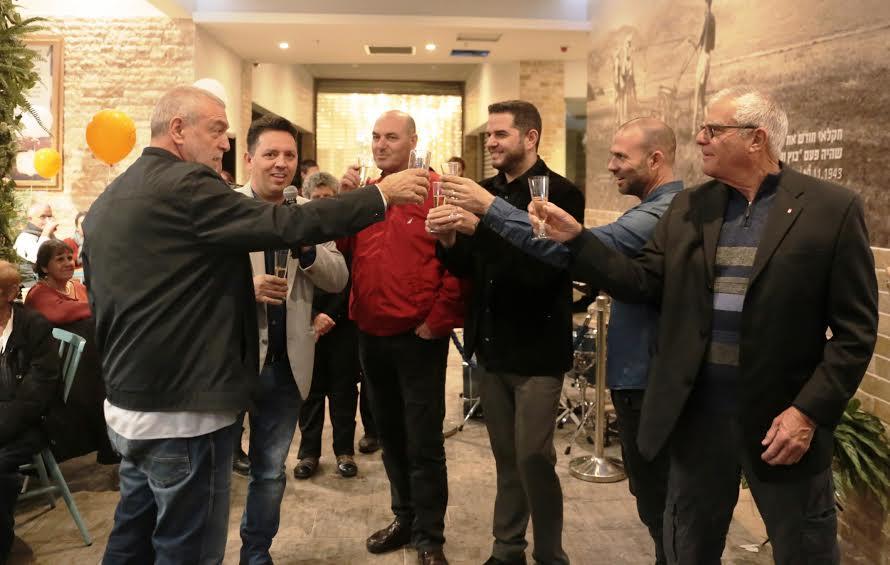 """חוויה קולינרית בגליל: מאות בפתיחת מסעדת """"קפה נמרוד"""" באגמון מרקט"""