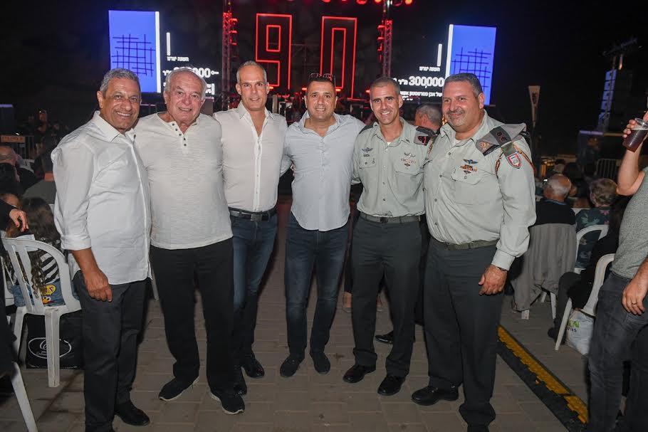 גאוות יחידה: עובדי אקרשטיין חגגו את פעילות החברה עם חיילים מיחידות מאומצות