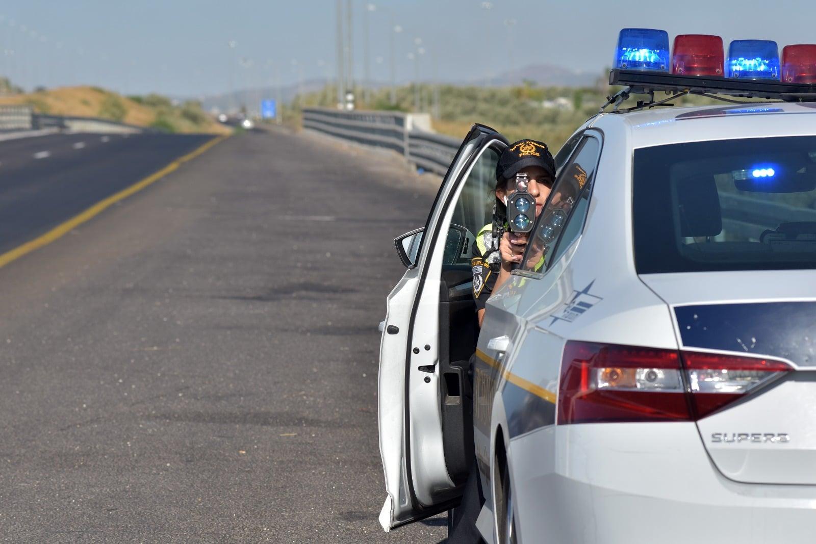 ניידת משטרת תנועה