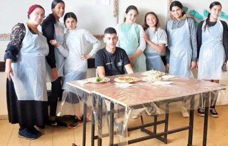 """חניכי מרכז הנוער """"מקום בלב"""" בחצור ערכו תחרות בישול בנוסח """"מאסטר שף"""""""