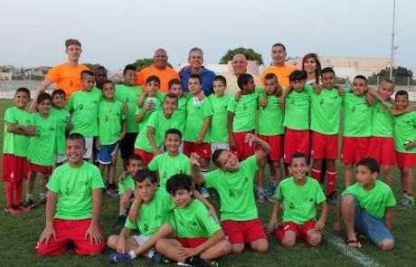 """מחוברים: שיתוף פעולה מדהים לילדי בתי הספר לכדורגל מכפר הנשיא ומטובא במסגרת פרויקט """"ספורט לחיים"""""""