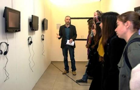 מאות הגיעו לפתיחת התערוכה של בתי הספר לצילום במוזיאון הפתוח לצילום בגן התעשייה תל-חי