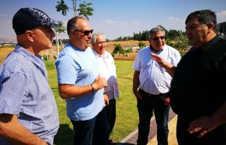 """יו""""ר קק""""ל נפגש עם חקלאי גליל העליון מתכוון לסייע במשבר המים"""
