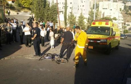 """תאונת האופניים ברחוב צה""""ל בצפת: הילד שנפגע קשה בראש הועבר במסוק לרמב""""ם – השני מאושפז בצפת"""