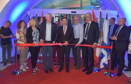 """בהשקעה של כ-130 מיליון שקל:נחנך מרכז המבקרים החדש של קק""""ל באגמון החולה"""