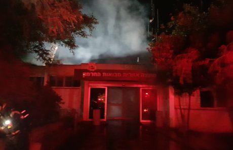 חשד להצתה בבניין המועצה האזורית מבואות חרמון – נזק כבד למקום
