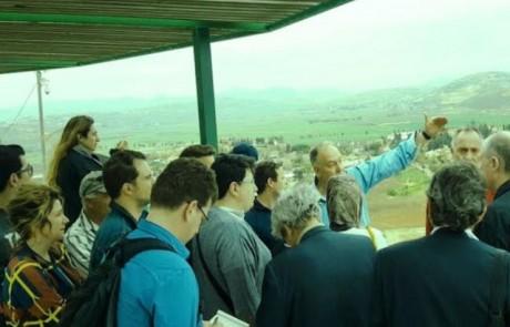 לא מחרימים: עיתונאים מאירופה ערכו סיור בגליל בגולן ולאורך הגבול