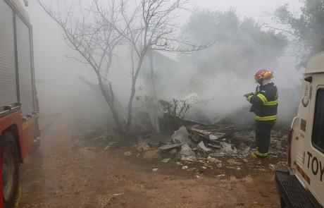טרגדיה באמירים: גופת גבר התגלתה בקראוון שעלה באש