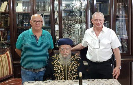 מי שלא מאמין: במעמד הרב בקשי הושגה תרומה של חצי מיליון שקל לבית הכנסת הספרדי בראש פינה