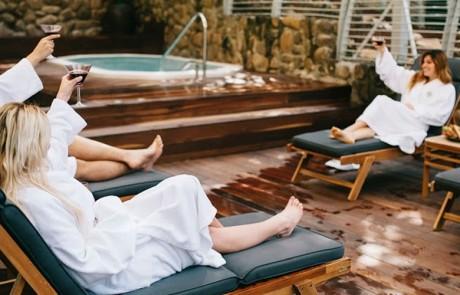נופשים בגליל: סדנאות,מופעים,טיולים,שייט וזריחה גלילית בהגושרים מלון בטבע