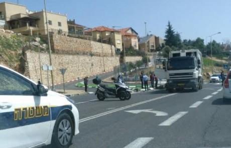 """אור ירוק: """" עלייה במספר התאונות בכלי רכב דו גלגלי בצפת"""" – רוכב קטנוע התנגש במשאית זבל"""