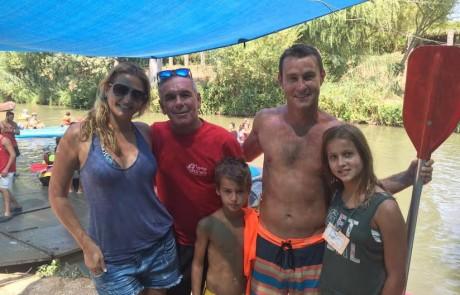 נהר של מפורסמים בקייקי כפר בלום: ג'ובאני רוסו – עמית גל – אבשלום קור – גלית פרבר